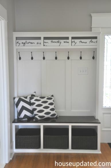 entry-storage-bench-hooks-basket-bins1
